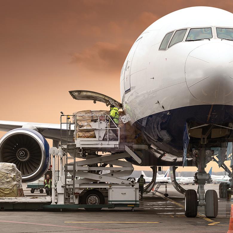 Kroviniu gabenimas lektuvu, oro transportas